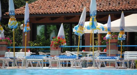 Monforte Piscina - Friluftsbad